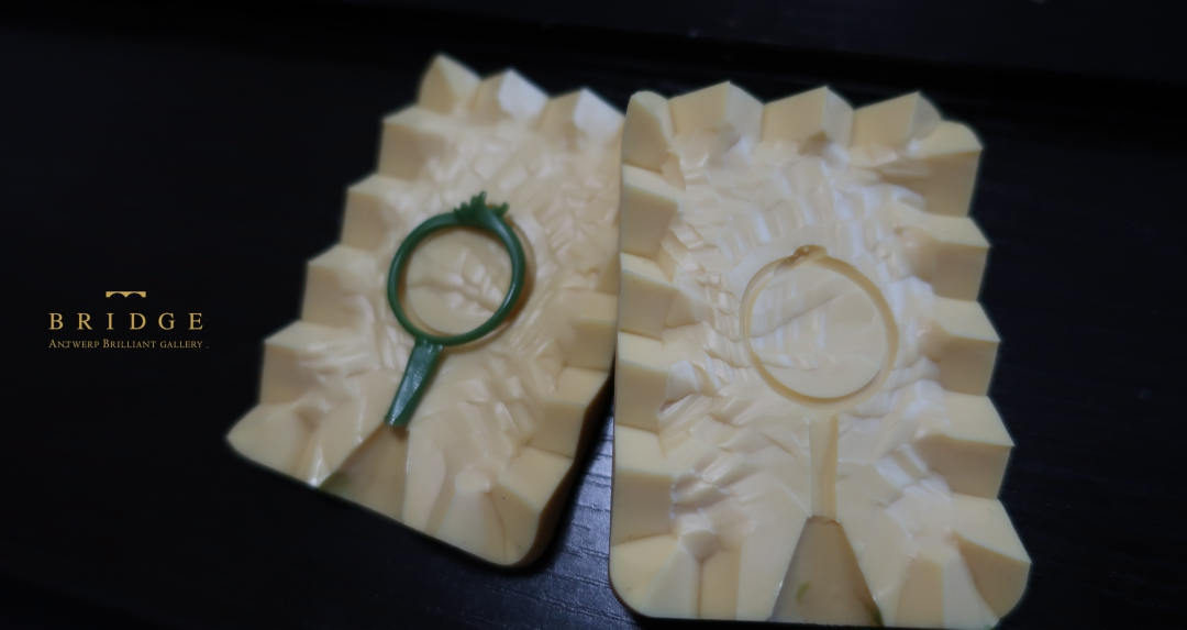 ワックス技法で繊細なデザインの結婚指輪や婚約指輪ジュエリー制作する