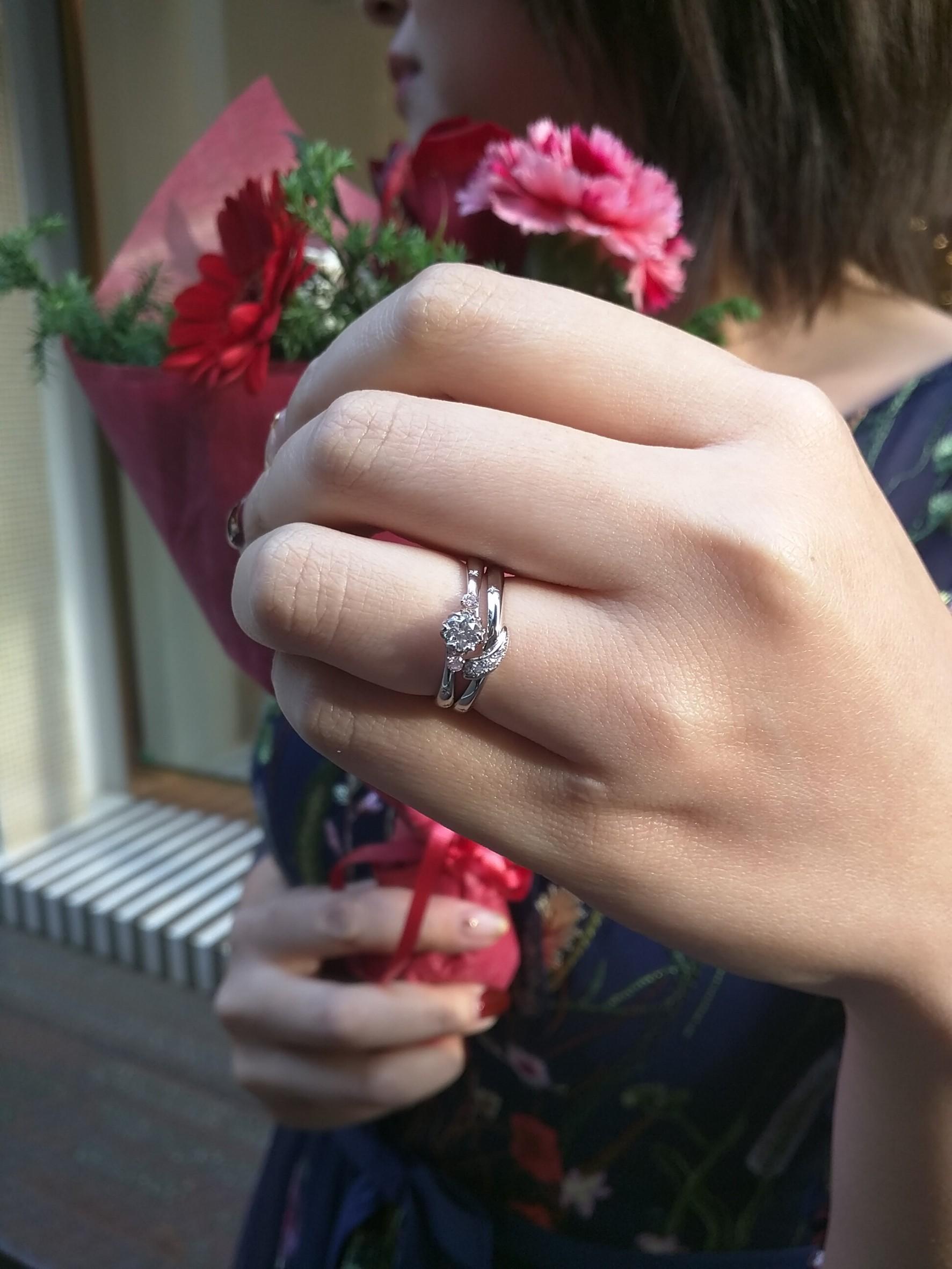 雪割草 花 モチーフ 婚約指輪 ダイヤモンド ピンク