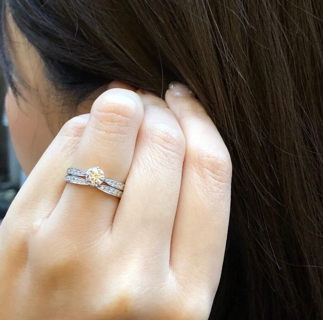華やか 重ね付け 婚約指輪 結婚指輪 大人 上品 シンプル プラチナ