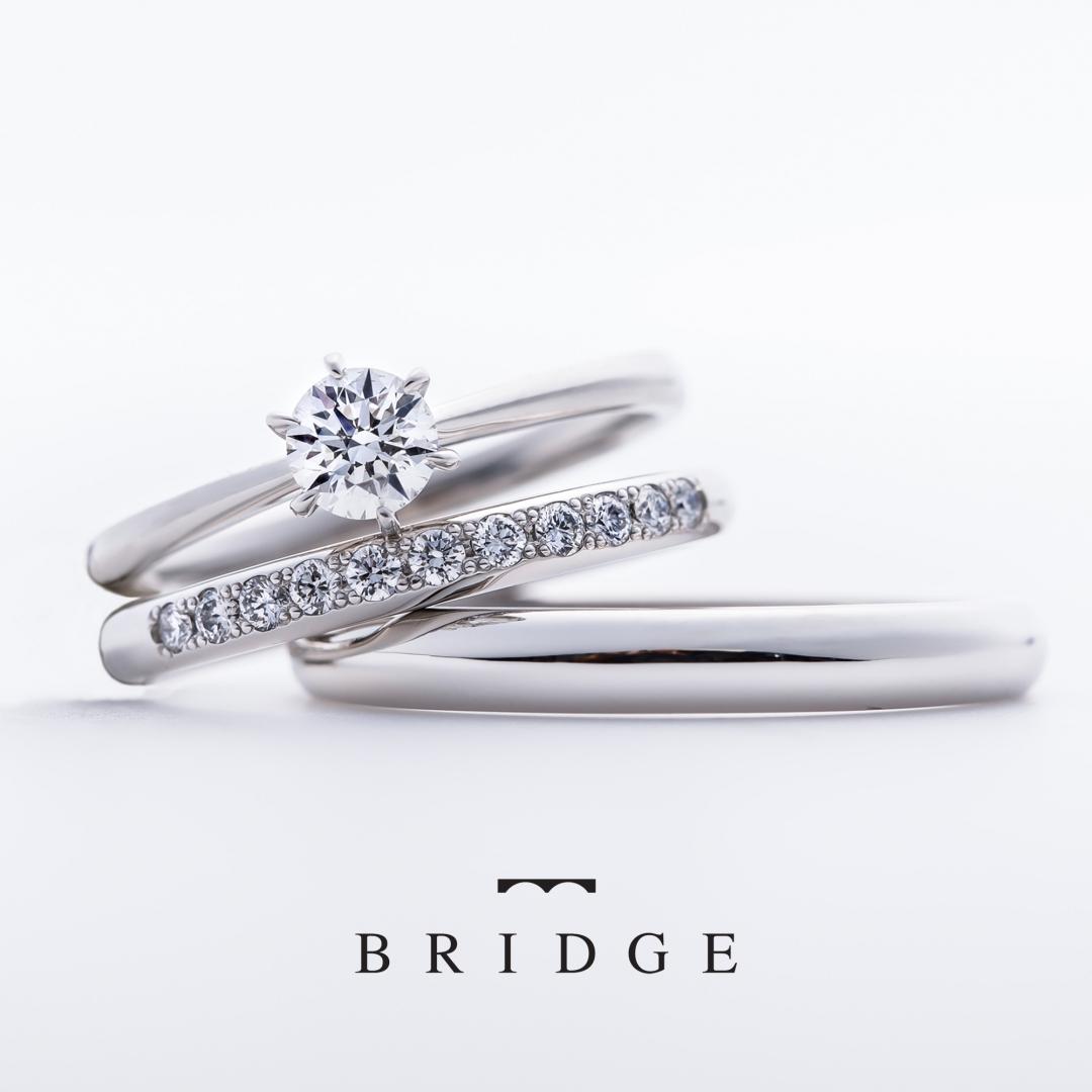 シンプルなプラチナのソリテール婚約指輪です。