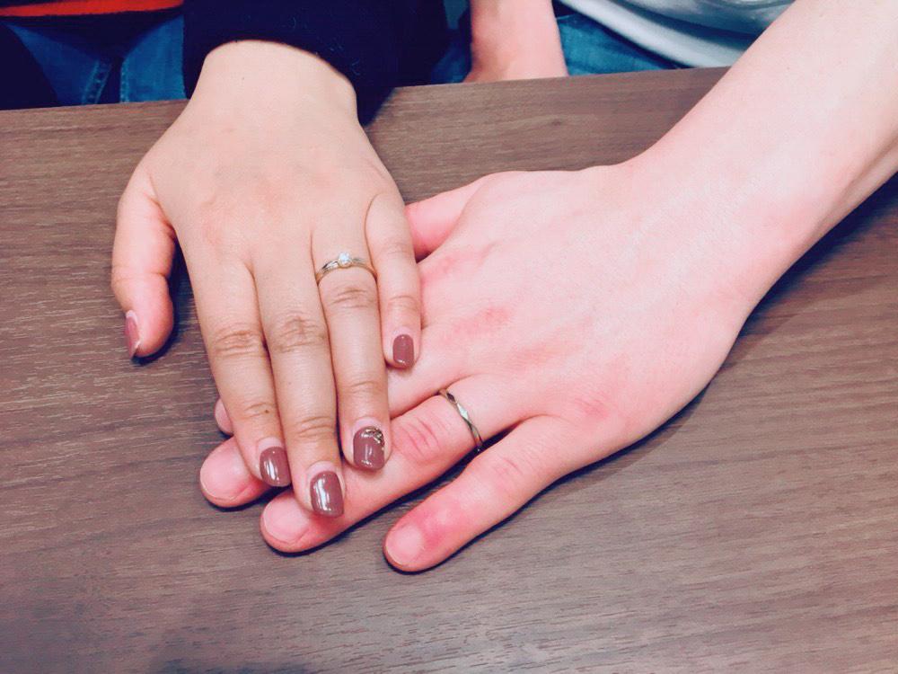1本でも重ねても可愛い指輪を見つけることができました!