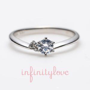 シンプルに可愛いVラインのプラチナ婚約指輪です。
