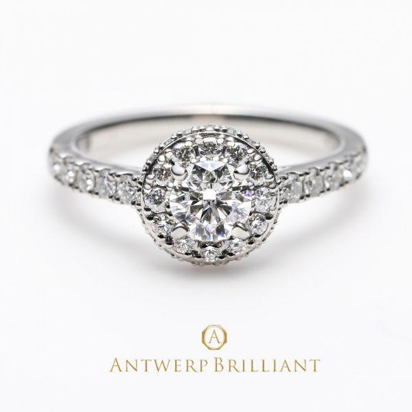 華やかなダイヤモンドヘイローの婚約指輪が人気です!