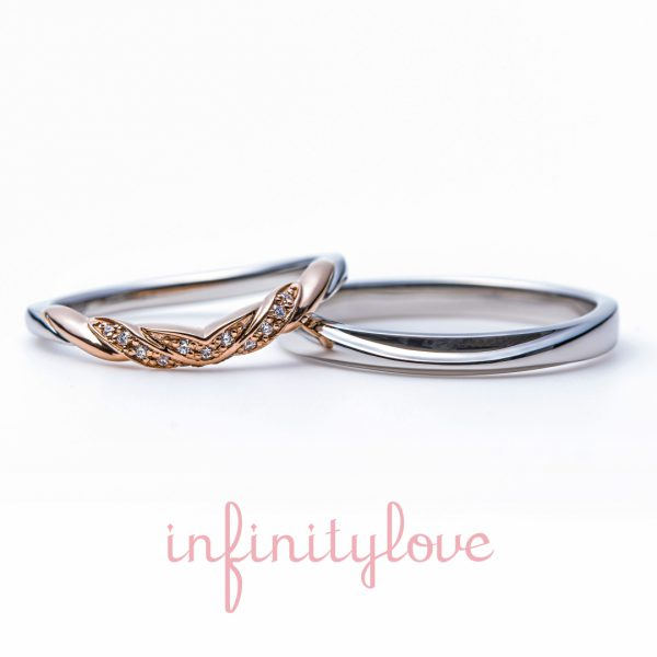 ピンクゴールドとプラチナのコンビが可愛いVラインのデザイン 果実のように丸みのあるフォルムは、指輪を美しく見せてくれます
