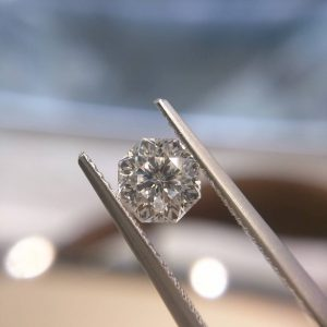 プロポーズは、アントワープブリリアントカットダイヤモンドで。