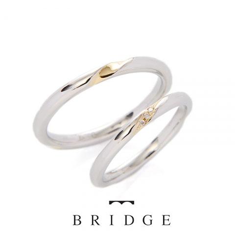 シンプルでお洒落な結婚指輪 イエローゴールドとプラチナのコンビネーションがかわいい