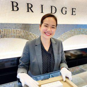 BRIDGE銀座の笑顔がステキなスタッフです