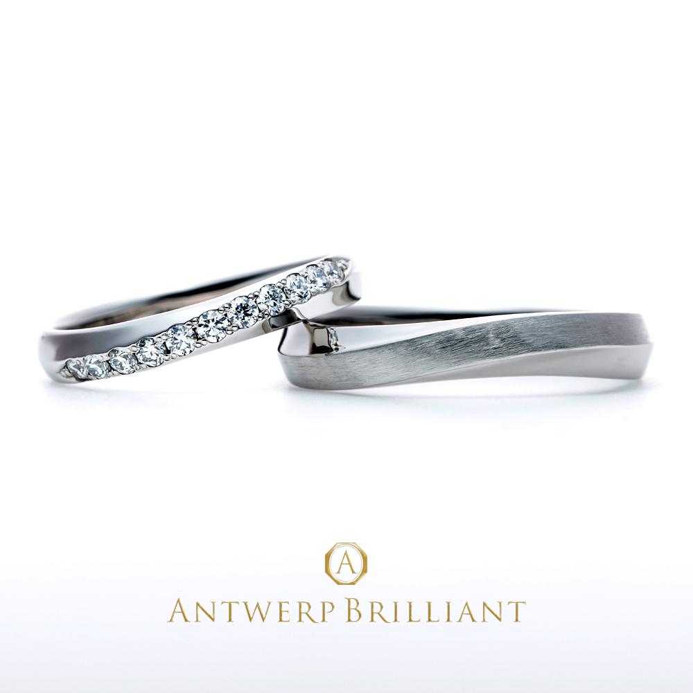 直線的で美しいダイヤモンドラインとプラチナの輝きが融合した華やかなデザイン結婚指輪