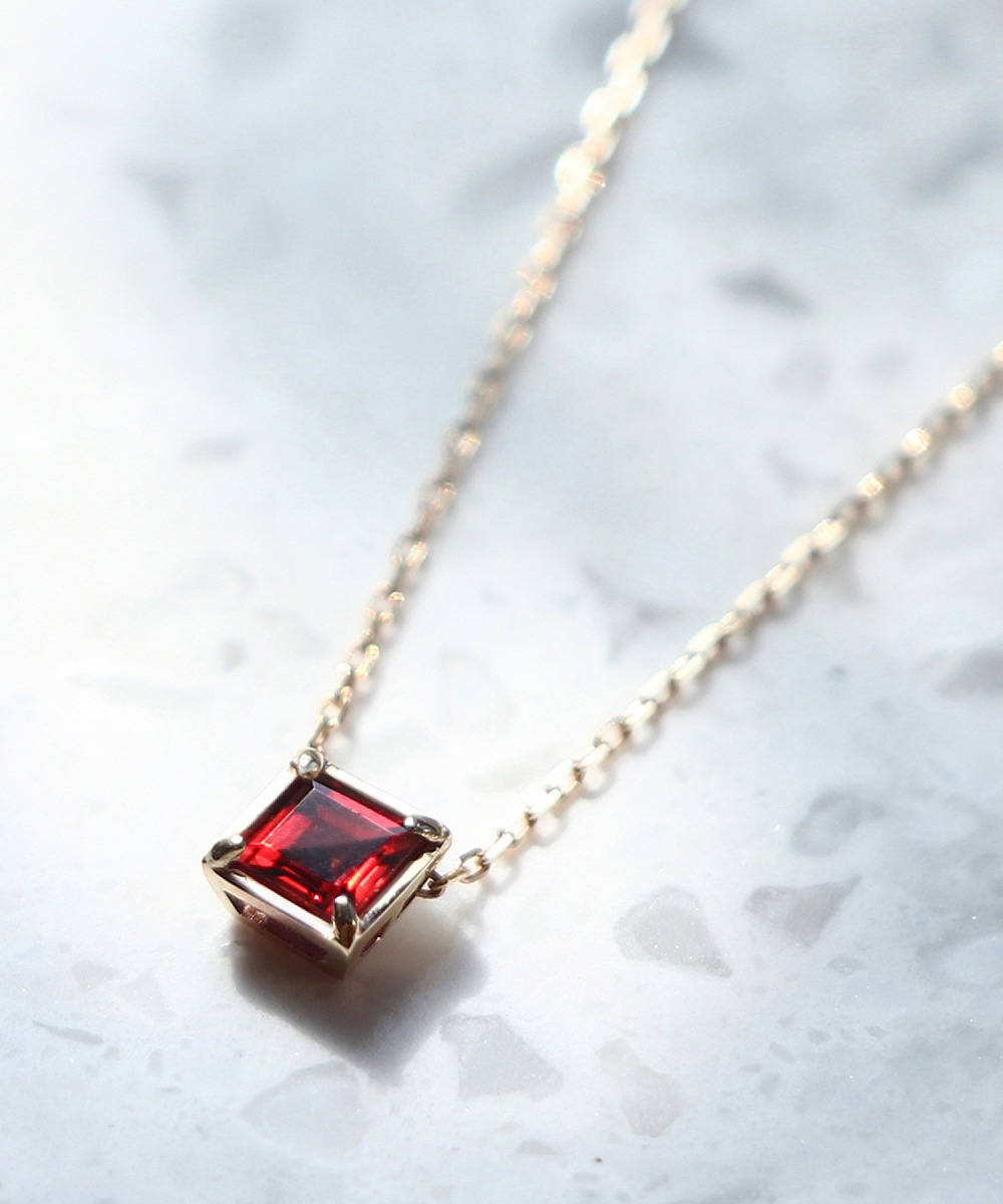 パイロープガーネットはダイヤモンドの指標鉱物の代表