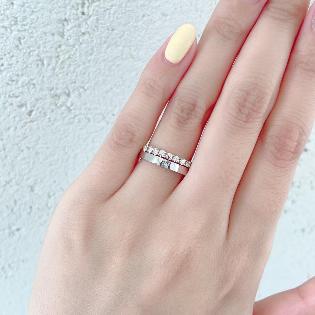 銀座で人気のダイヤモンドが美しいエタニティデザインの婚約指輪と結婚指輪