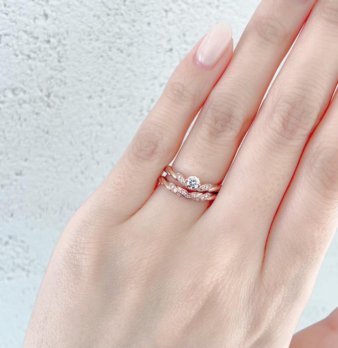 銀座で人気のアンティーク調が華やかで美しい婚約指輪