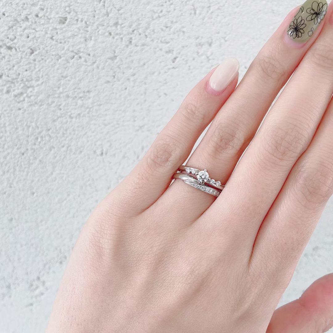 銀座で人気のダイヤモンドラインが華やかで美しい結婚指輪と婚約指輪