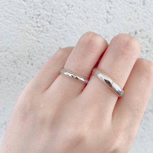 ミルグレインが美しいアンティーク調のシンプル結婚指輪