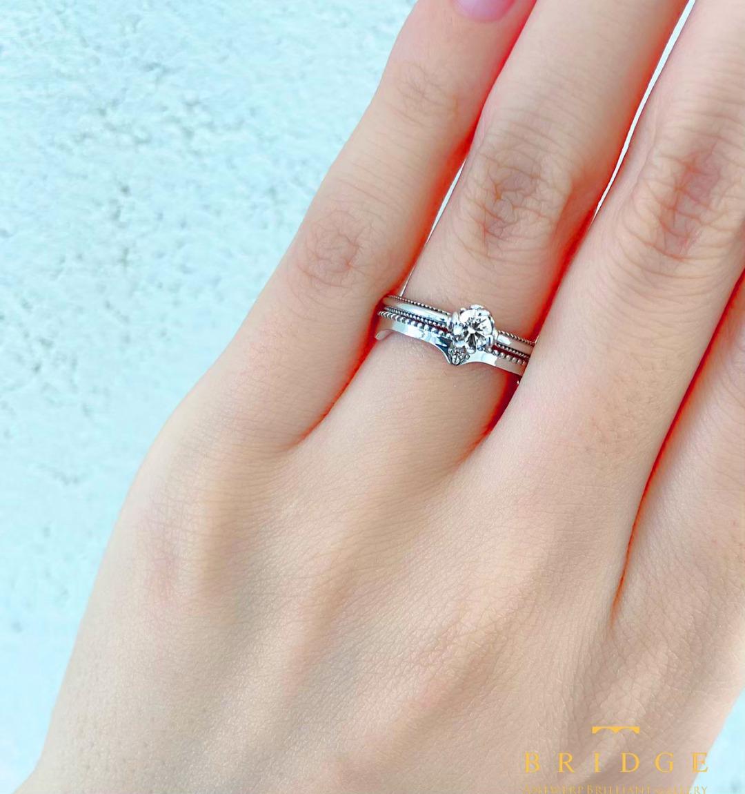 重ねつけが可愛い結婚婚約指輪のセットリング