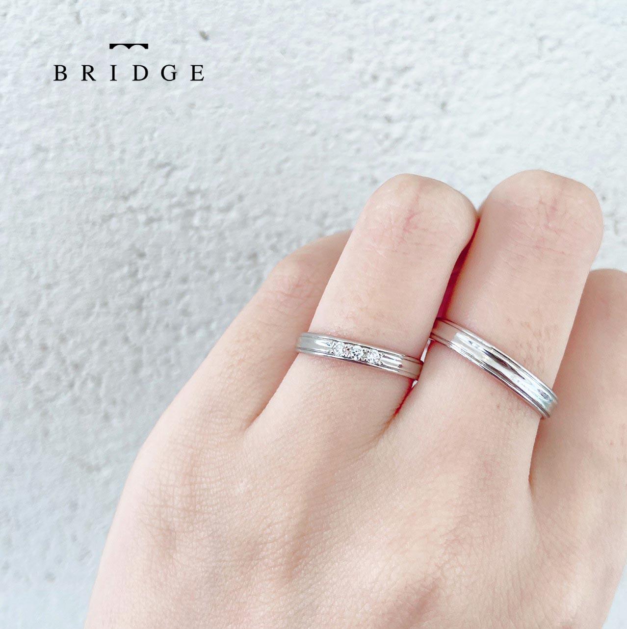 人と違うシンプルなプラチナの結婚指輪