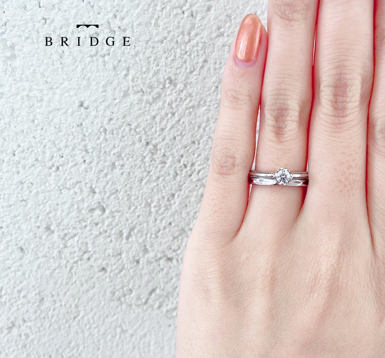 ミルグレイがかわいいアンティーク調の婚約指輪