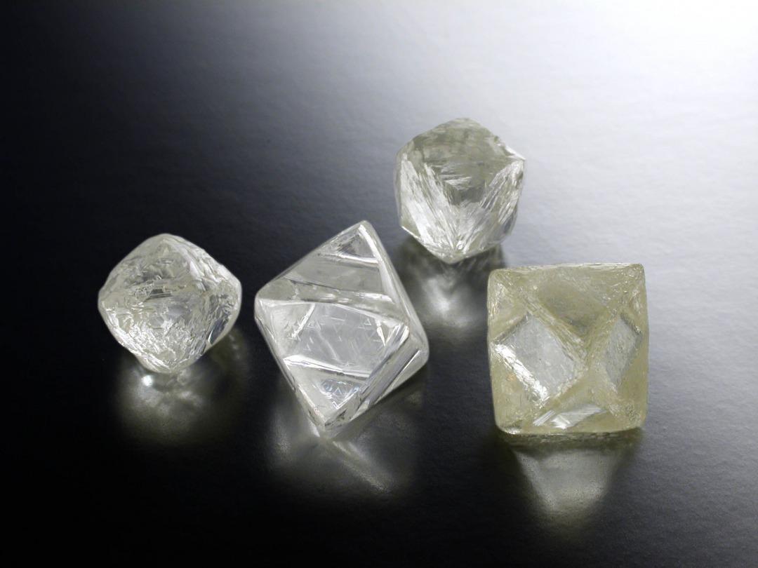 ダイヤモンドのカラットは人類史と深くかかわる