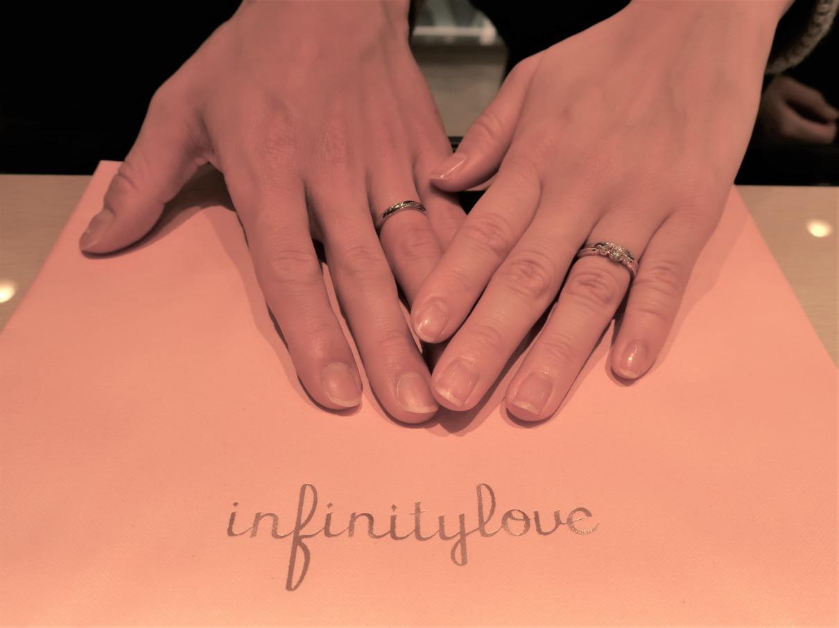 Uranusの婚約指輪&Jasminの結婚指輪 1軒目でしたが、すぐにこちらに決めました。