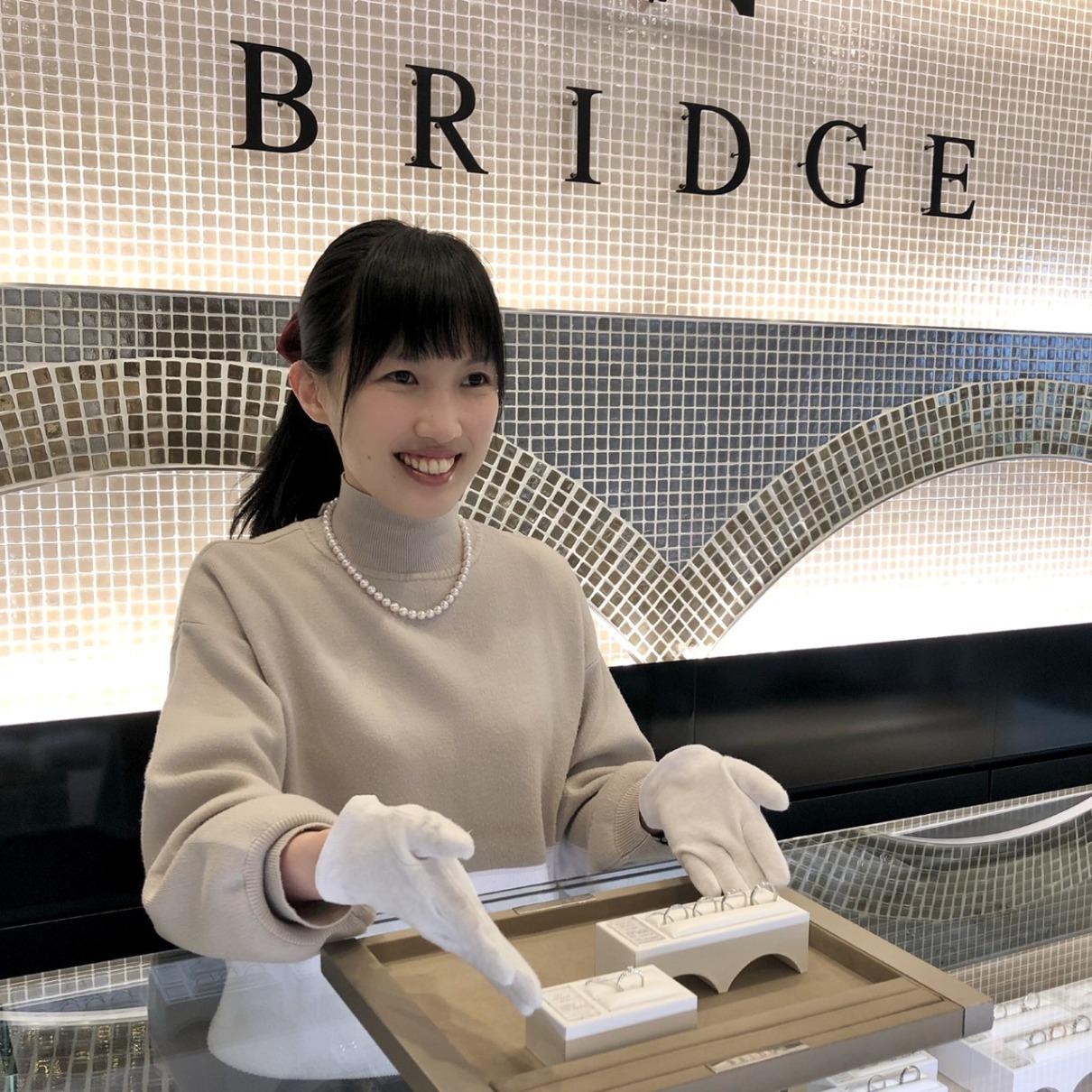 ダイヤモンドが大好きなBRIDGE銀座のスタッフです。