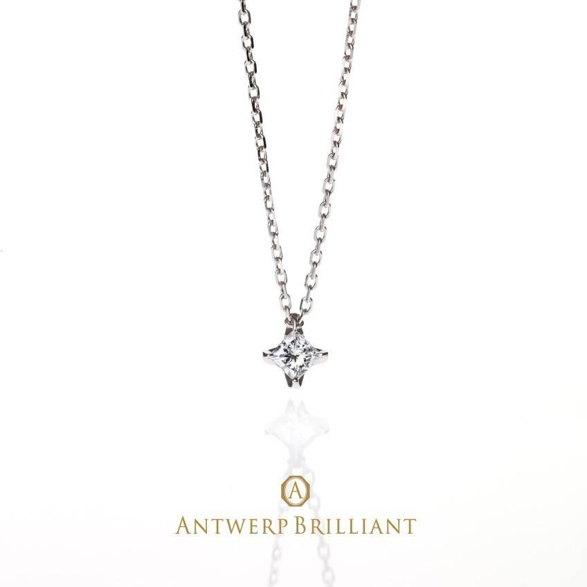 かわいいプチネックレスを買うなら、ブリッジ銀座店のプリンセスカットダイヤモンドのプチネックレス