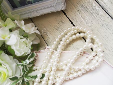 ブリッジ銀座の美しい無調色ナチュラル真珠を取り扱っています