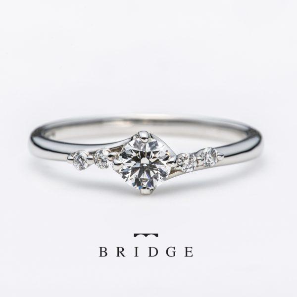 銀座で人気のメレダイヤモンドが可愛い婚約指輪