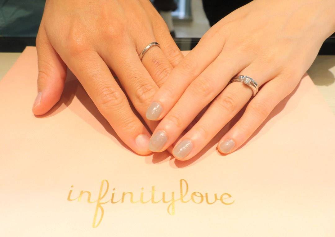 結婚指輪をブルーダイヤモンドグラデーションアレンジメントにしました