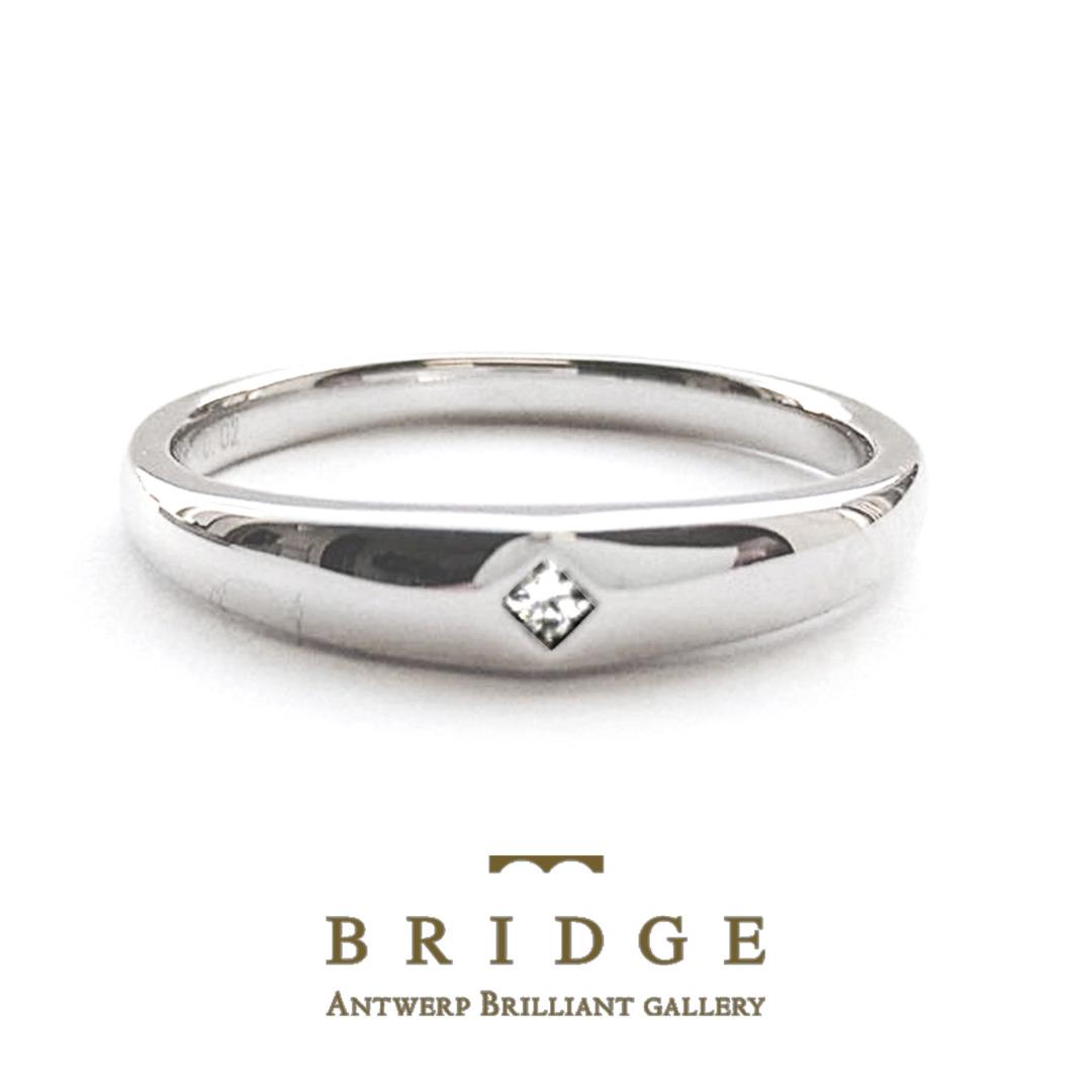 プリンセスカットを付け心地抜群の甲丸リングに引っかからない伏せ込み留めの結婚指輪