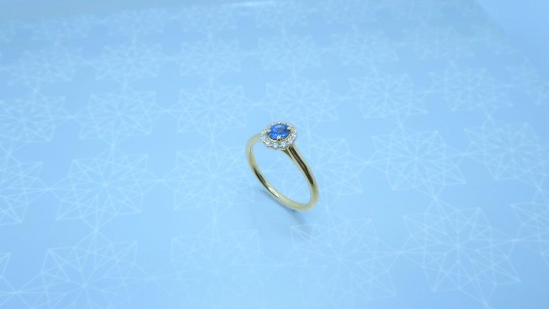 ロイヤルブルーサファイヤの婚約指輪はオシャレでかわいい