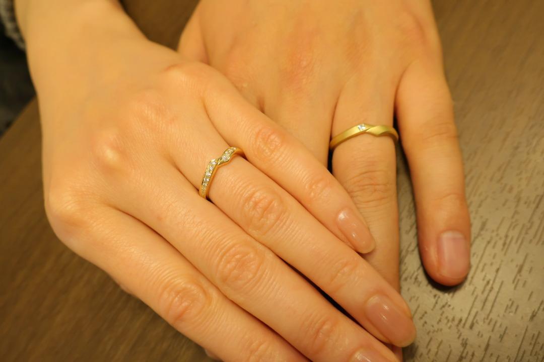 セミオーダーが出来るカッコイイデザインの結婚指輪が欲しかったです!